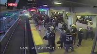 Californie : un homme sauvé in-extremis après être tombé sur les rails du métro