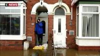 Une femme trouve la mort après les  inondations dans le Nord et le centre de l'Angleterre