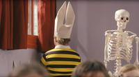 Dans le film L'Elève Ducobu, le cancre est régulièrement «mis à l'index», envoyé au coin avec un bonnet d'âne.