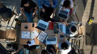 Les opposants au texte craignent de voir s'installer un Internet à deux vitesses.