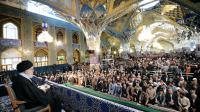 Le guide suprême, l'ayatollah Ali Khamenei, a prononcé un discours devant une foule de fidèles pour le Norouz, le 20 mars 2016.