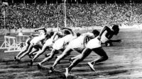 Les Jeux Olympiques d'été de 1936 à Berlin ont été marqués par le succès du sprinter noir Jesse Owens (à droite).