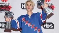 """Justin Bieber a """"aimé"""" une vidéo de Donald Trump sur Instagram et s'est abonné au compte Twitter du milliardaire."""