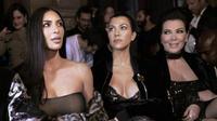 Kim Kardashian et ses soeurs sont souvent «coachées» par leur maman, Kris Jenner