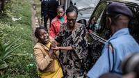 Au moins quinze personnes ont été tuées dans l'attaque en cours perpétrée par un commando d'islamistes radicaux somaliens shebab dans un complexe de Nairobi.