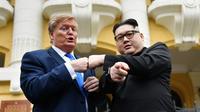 Les imitateurs de Donald Trump et Kim Jong-un était apparus vendredi 22 février sur les marches de l'opéra d'Hanoï, à l'occasion d'un faux «sommet».