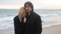 """C'est la deuxième collaboration de Christian Bale avec Terrence Malick. En effet, l'acteur a joué sous la houlette du réalisateur en 2005 pour """"Le Nouveau monde""""."""