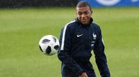 Kylian Mbappé a été touché à l'issue d'un contact avec Adil Rami.