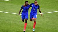 Ousmane Dembélé et Kylian Mbappé incarnent le futur mais aussi le présent de l'équipe de France.
