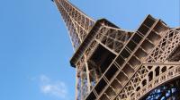 La tour Eiffel, l'un de monuments les plus visités à Paris