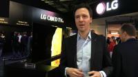 Stéphane Curtelin, directeur marketing de LG France, sur le stand LG au CES de Las Vegas.