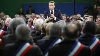 Le coup d'envoi du grand débat avait été donné par le président le 15 janvier, à Grand Bourgtheroulde (Eure), devant 600 maires normands.
