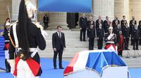 Le président Emmanuel Macron a rendu hommage à Simone Veil, dimanche 1er juillet 2018.