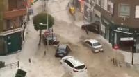 D'importantes inondations ravagent la localité d'Arganda del Rey en Espagne, dans la proche banlieue de Madrid.