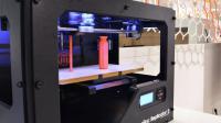 Les imprimantes 3D permettent de produire des objets personnalisés.