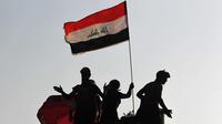 Depuis un an environ, des milliers de citoyens ordinaires, sans lien avec des milices, manifestent obstinément et massivement contre leur gouvernement, en Iran comme en Irak.