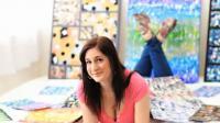 Vidéo : elle peint avec sa poitrine