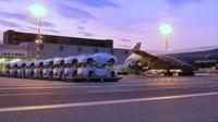 Les Maserati achetées par le gouvernement de Papouasie sur le tarmac de l'aéroport de Port Moresby.
