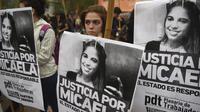 Des manifestantes demandent justice pour Micaela Garcia à Buenos Aires, mardi 11 avril.