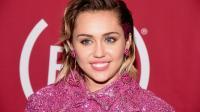 Miley Cyrus revient à ses premières amours: les séries télé