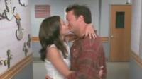 Leurs baisers dans Friends ont-ils servis de répétition ? Courteney Cox et Matthew Perry seraient plus que de simples amis