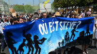 Samedi dernier, un millier de personnes ont défilé dans le calme à Nantes en mémoire du jeune disparu.