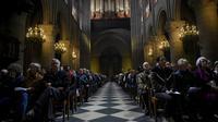 De nombreuses célébrations religieuses ont été organisées, ici à Notre-Dame de Paris