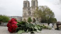 «Cette cathédrale nous la rebâtirons, tous ensemble», a annoncé le chef de l'Etat lundi soir.