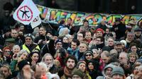 """Un millier de personnes ont participé à une """"déambulation festive"""" dans les rues de Nantes, le 23 janvier."""