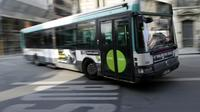 Un bus dans le centre de Paris, le 14 mars 2014.