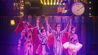 La troupe du nouveau spectacle du Cirque Électrique : Carnival