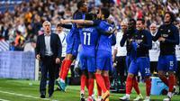 Le sélectionneur tricolore a lancé avec réussite la jeune génération contre l'Angleterre.