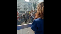 Un membre du personnel du service de réanimation a filmé la scène.