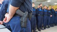 Le rapport préconise d'autoriser tout agent à patrouiller avec une arme à feu à la ceinture, à l'image de la police nationale.
