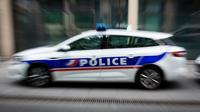 La sécurité du centre commercial a prévenu son serrurier qui a ouvert la porte du véhicule.
