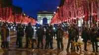 Une dizaine de milliers de policiers seront mobilisés sur les Champs-Elysées toute la soirée, et une partie de la nuit du Réveillon.