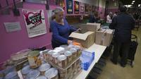 Les 69 200 bénévoles mobilisés en France sont la colonne vertébrale des Restos du cœur.