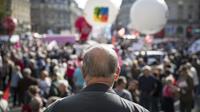 Des retraités manifestent dans le centre de Paris, le 15 octobre 2018, contre la politique d'Emmanuel Macron.