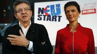 Sahra Wagenknecht, fondatrice du mouvement Aufstehen et Jean-Luc Melenchon, leader de La France Insoumise, s'adressent aux journalistes à Berlin, le 23 septembre 2016.
