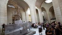 La Victoire de Samothrace avant sa restauration au musée du Louvre