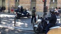 La maire du 9e arrondissement dénonce le comportement dangereux des conducteurs de deux-roues motorisés.