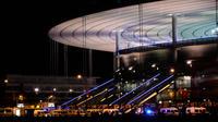 Au moins trois explosions ont eu lieu, vendredi soir, à l'extérieur du Stade de France.