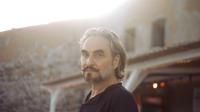 L'interprète de «Combien de temps» a de nouveau collaboré avec le romancier Philippe Djian.