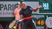 Serena Williams porte cette combinaison pour ses vertus médicales.