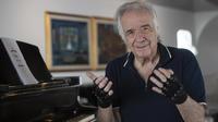 Les «gants magiques» de Joao Carlos Martin.