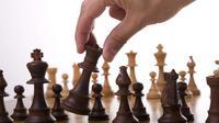 La reine est une pièce centrale aux échecs depuis le XVe siècle.
