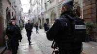 Les forces de l'ordre étaient toujours, mercredi soir, à Strasbourg, à la recherche du tueur présumé.