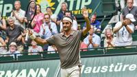 Roger Federer a décroché le 102e titre de son immense carrière en Allemagne.