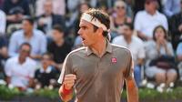 Roger Federer est de retour dans le dernier carré à Paris.