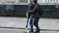 Si les règles ne sont pas respectées, Paris pourrait tout simplement interdire les trottinettes électriques.
